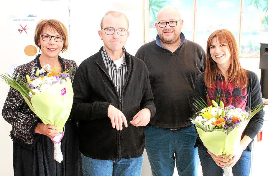 De gauche à droite : Emmanuelle Briet, la nouvelle responsable du foyer; Dominique Tanguy, le président du conseil de la vie sociale des Genêts d'Or lesneviens; Yann Michel, leur directeur; et, Noémie Duval-Frenay.